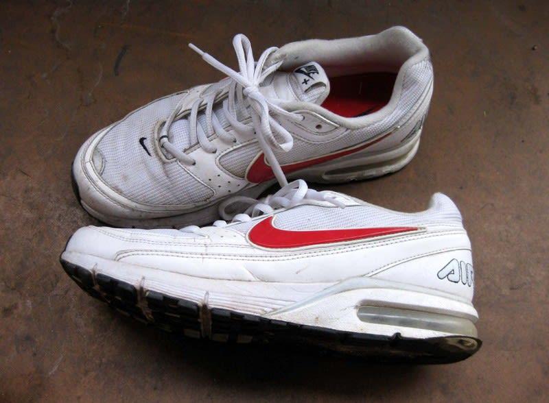 Old_jogging_shoes