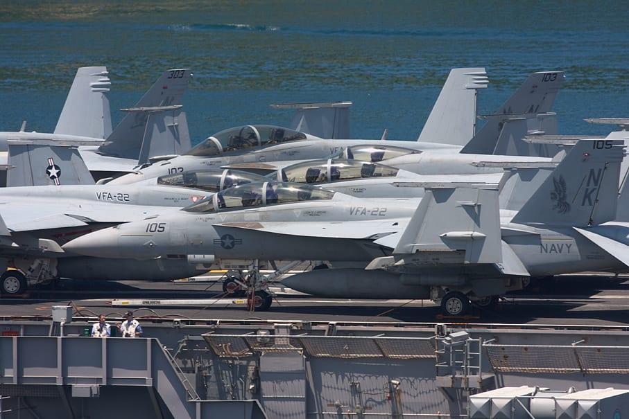 ロナルド・レーガン (空母) - USS ...