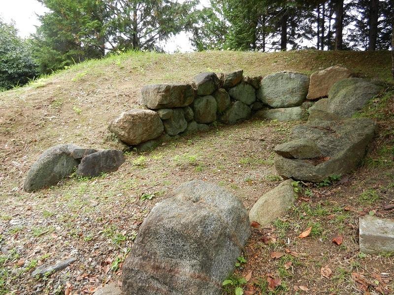 龍谷8号墳石室