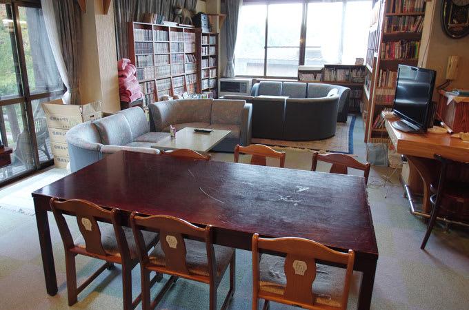 唐沢鉱泉・談話室