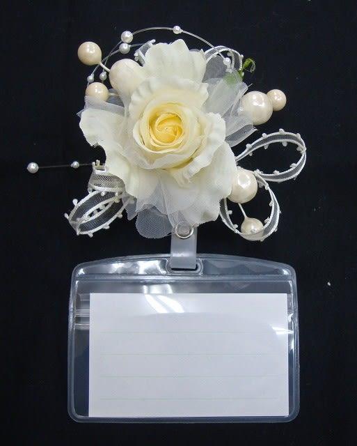 イベント用名刺ホルダー付きコサージュ 造花