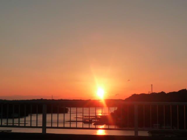 志摩賢島大橋の夕陽見に行ってきました〜(^^)/