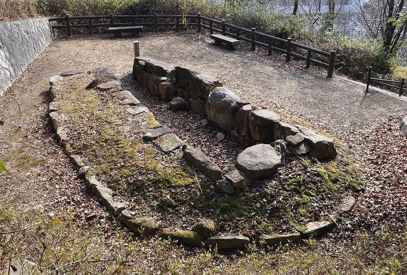 小谷古墳復元石室