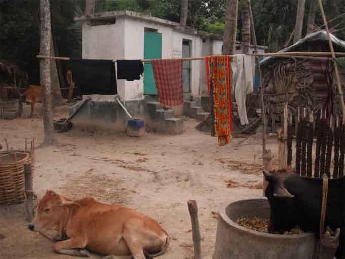 バングラデシュのエコサントイレ