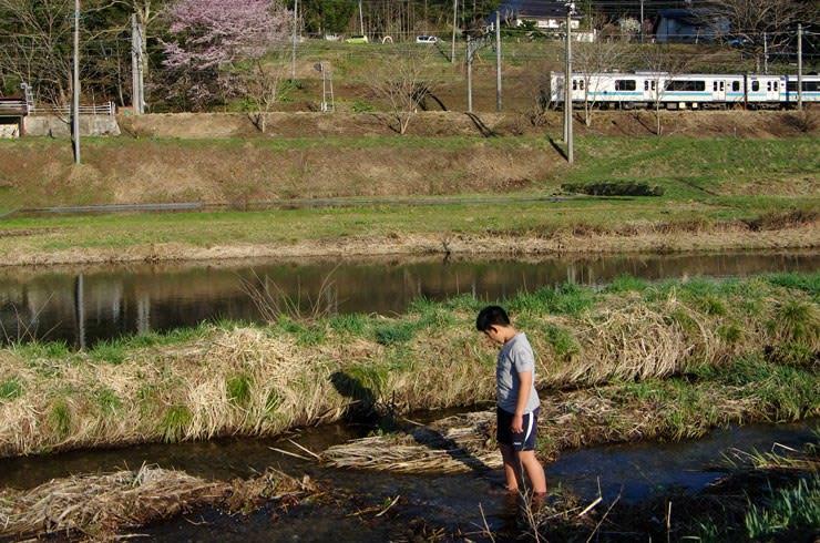 簗場駅付近の農具川