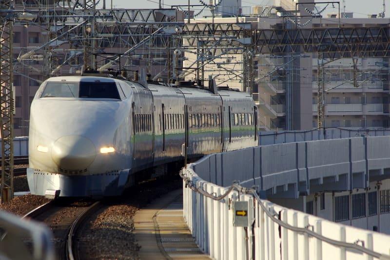 新幹線100系JR西日本カラー4両編成「こだま」