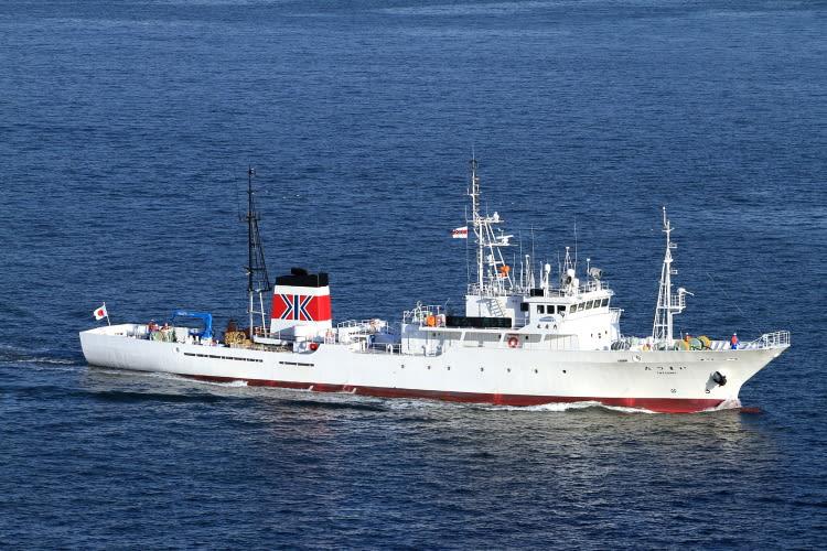 一般的な漁業取締船の船体です。 水産庁所有ではなく、民間船舶会社からの... 水産庁 漁業取締船