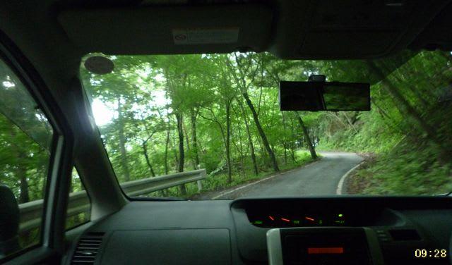 林道のアプローチ