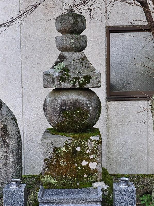 八幡寺跡五輪塔