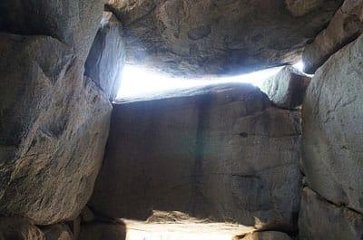 石棺(復元) 石舞台古墳(奈良県高市郡 明日香村)