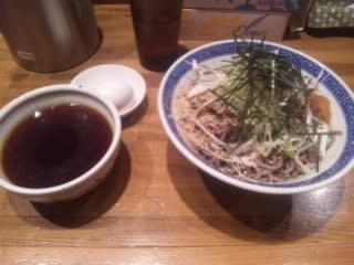肉盛りつけ蕎麦(¥880)