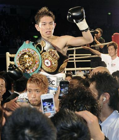 【静電気を除去。水性Ag-powerコーティング】で頑張るおじさん! ここ数年ボクシングの世界戦に感動したことは少ない。しかし今回は最初から違っていました。お互いが力を認め合う真の世界戦だと楽しく見れました。日本初のボクシング統一王者となった井岡 好視聴率もゲット!