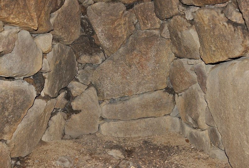 米谷塚穴古墳奥壁部