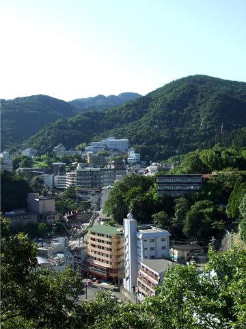 有馬温泉の街と六甲山