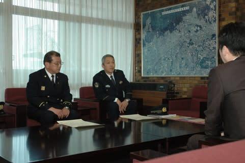 佐薙警察署長は「このたびの受賞で、署員はもとより市民の皆さんに地域の安... 大阪府警本部長表彰