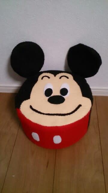 丸い顔のキャラクターに♪ティッシュの空き箱でラウンド椅子を作ろう☆