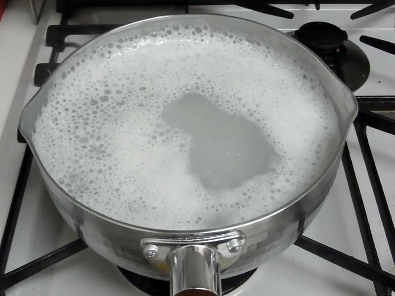 05月25日 とぎ汁を煮ます