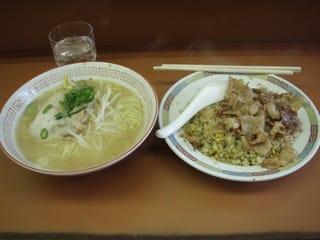 中華料理 娘娘(にゃんにゃん)>