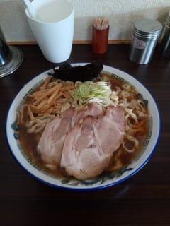 ケンちゃんラーメン 大山支店03