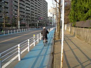 自転車の 自転車 交通法規 問題 : の自転車レーン。ただし、問題 ...