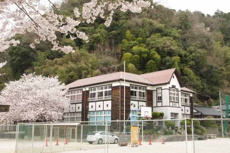 Images of 島根県中学校の廃校一...