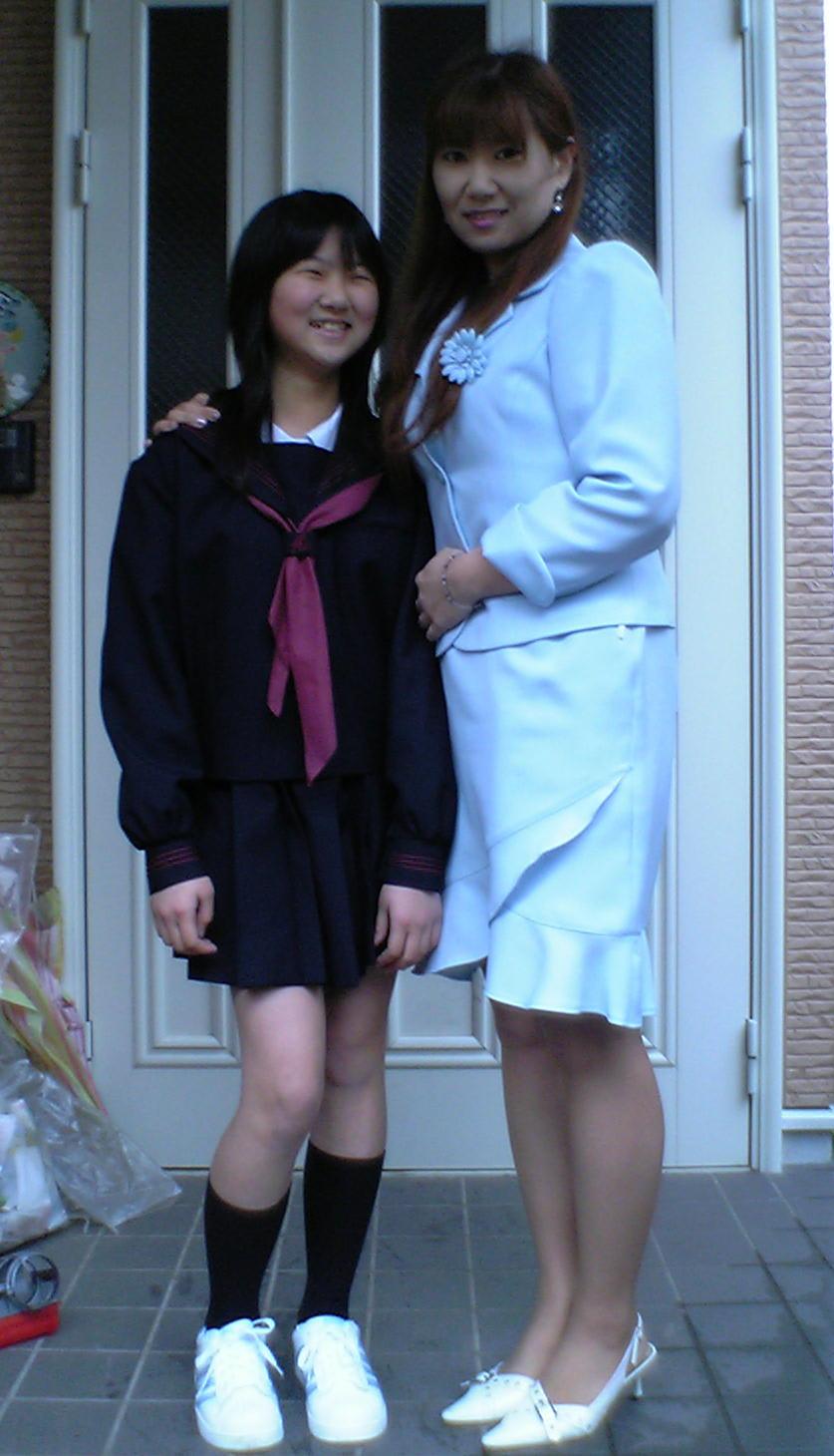 入学式のお母さんエロ画像の画像