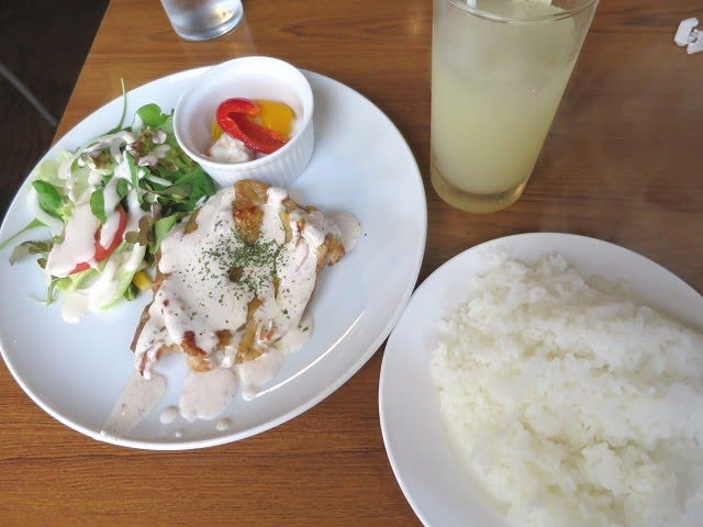 若鶏のオーブン焼き(ナッツクリームソ−ス)