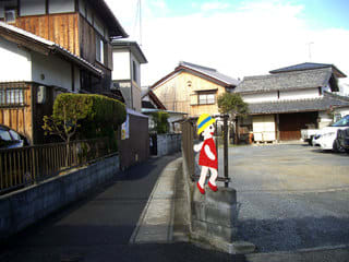 梅川の菩提寺へ続く路地