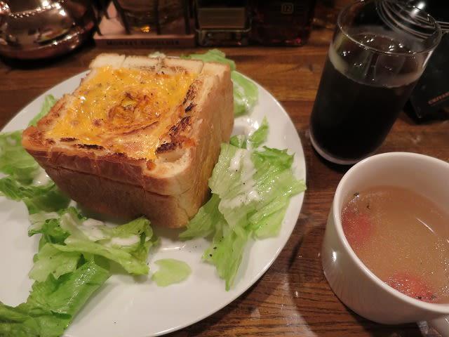 ボロネーゼのトースト
