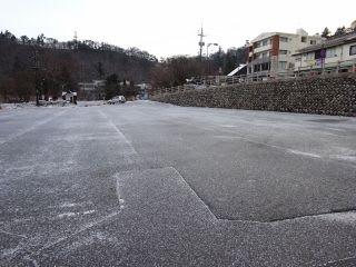 博労座バス専用駐車場(冬季)。