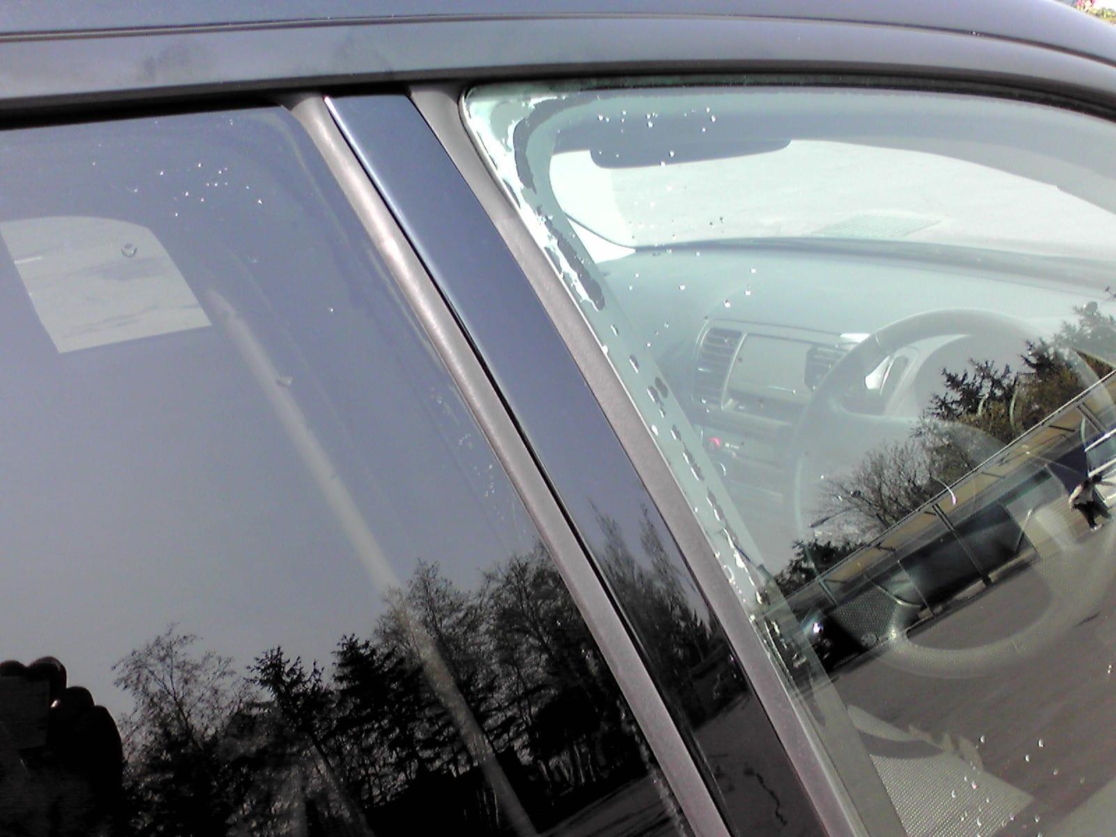 レス ドア サッシュ スポーツカーの窓ガラス
