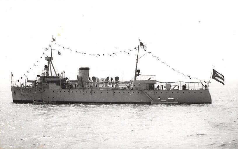 キューバ軍 - 入り江の小船