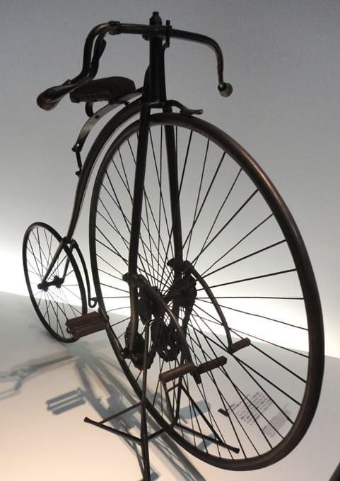 ミュージアム巡り 自転車 ...