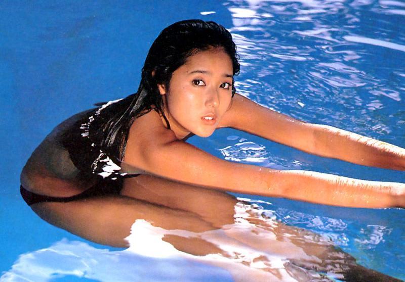 プールの浅野ゆう子