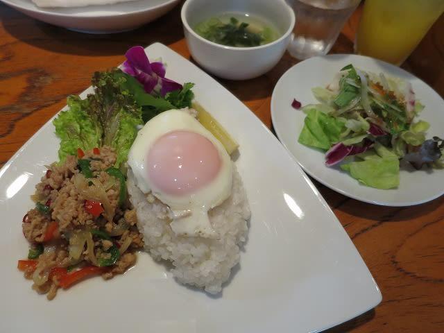 鶏挽肉のガパオ炒めご飯