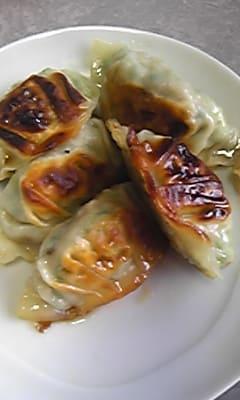お昼は明太パスタと餃子