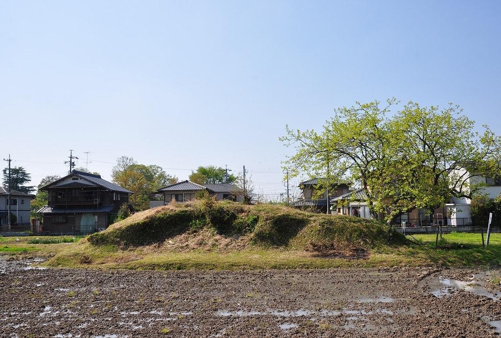 小塚古墳南側