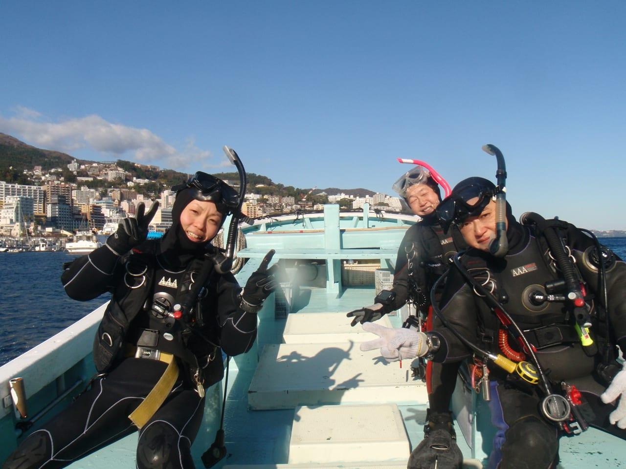 伊豆で一番大きな迫力の沈船ダイビング。カラフルなソフトコーラルがびっしり... クリスマス女子会