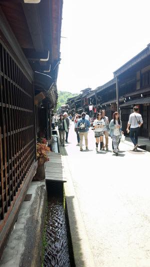 伝統的建造物群保存地区に指定されている高山市の古い町並