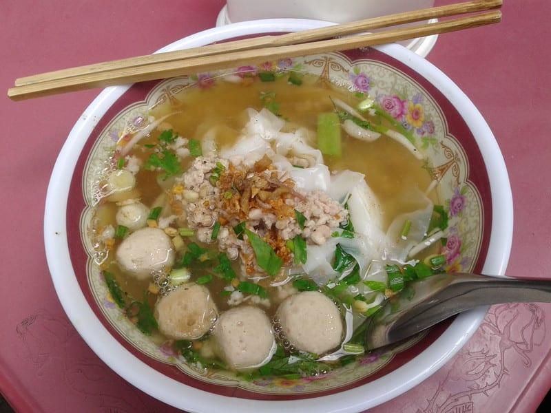 タイ屋体麺