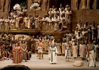 いよいよ『アイーダ』初日です。 今年のメトの『アイーダ』Aキャストは、ボ...  Opera!
