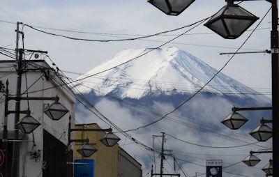 meganenohikawa