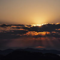 三ヶ根山からの日の出