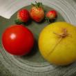 立冬過ぎ、露地栽培で採れた果実の記念写真