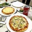 晩ご飯☆市販の生地を使って簡単にピザ二種(ツナコーン&チーズたっぷり)☆