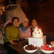 🎵 3月生まれは3人いますぅ。 ではでは、3人そろって 「Happyーbirthday to  You!」