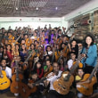 50本のギター、ネパールへ届く!