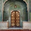 シティ・パレスの重厚な扉☆インドの建築物