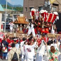 <榛原秋祭り> 還御行列や勇壮な太鼓台の練り合わせ