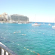 マルタ留学 ESEのビーチクラブ
